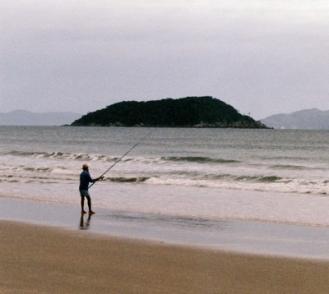 Pescador - Praia de Palmas do Arvoredo - Gov Celso Ramos - SC - Brasil